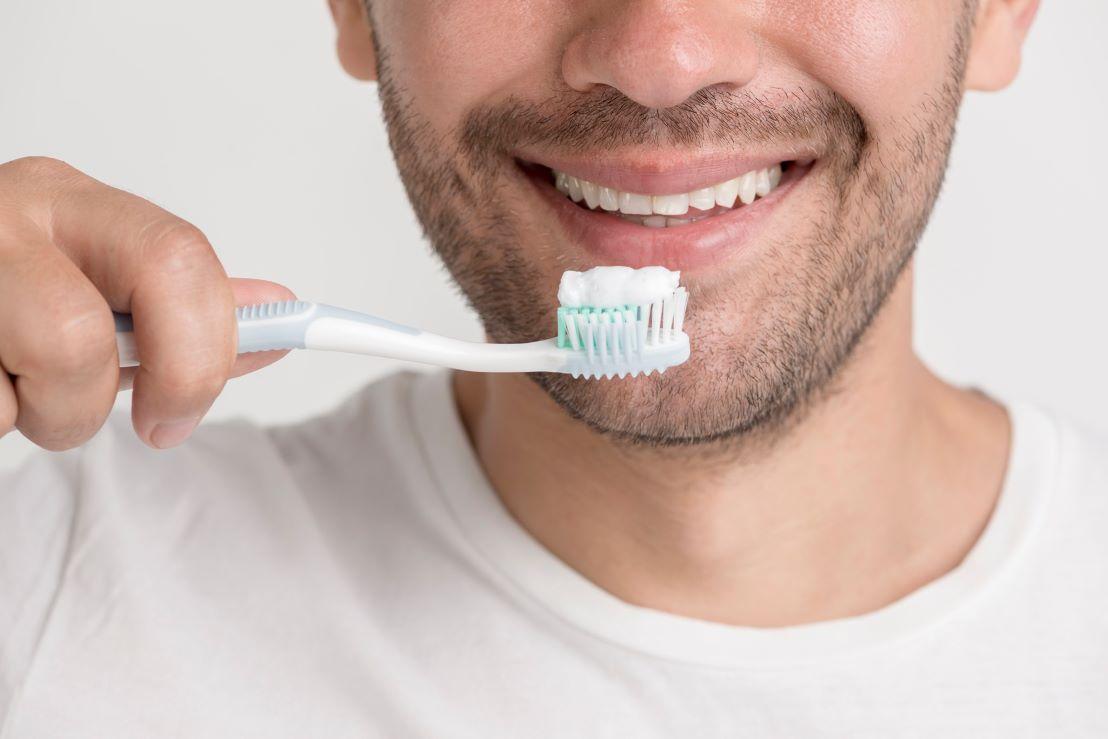 Czy laursiarczan sodu (SLS) zawarty w pastach do zębów szkodzi zdrowiu